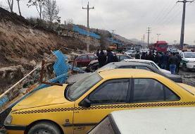 (تصاویر) دفن خودروها بر اثر ریزش دیوار بهشت محمدی سنندج