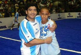 (عکس) روزی که مارادونا، نیمار را با خودش به رختکن آرژانتین برد