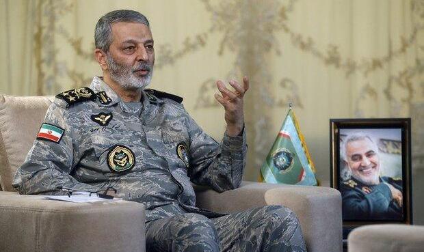 سرلشکر موسوی از گروه پدافند هوایی چابهار بازدید کرد
