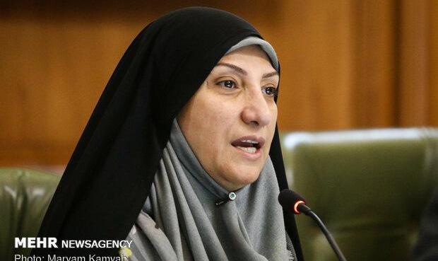 نیمی از رای دهندگان به روحانی بانوان بودند اما وزیر زن نداریم