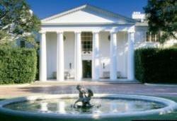 مدیر عامل آمازون گرانترین خانه در لس آنجلس را خرید؛ ملک ۱۶۵ میلیون دلاری
