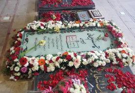 نصب سنگ جدید مزار شهید سلیمانی