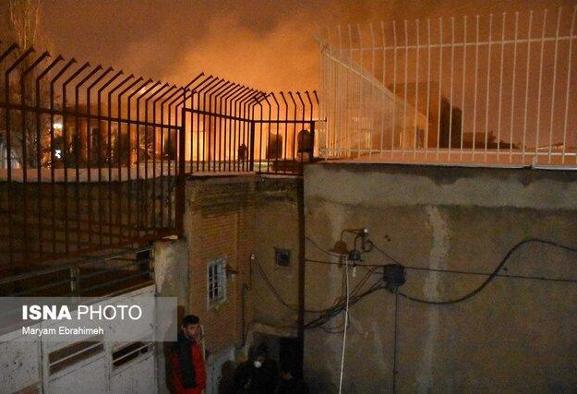 آتش سوزی در محدوده چهارراه گلوبندک بازار و سبزه میدان تهران