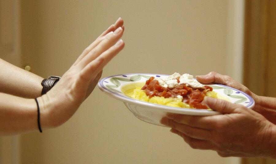 کدام خوراکیها را نباید بعد از ساعت ۱۶مصرف کنیم؟