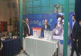 سلطانی فر: ایران در سایه حکومت دینی انتخابات آزاد برگزار می کند