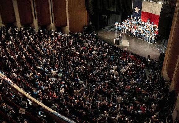 سندرز پس از پیروزی قاطع در مقدماتی درون حزبی ایالات نوادا: آمریکا ...