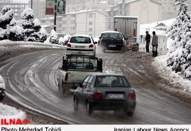 محورهای هراز و چالوس تا اطلاع ثانوی مسدود شد/بارش برف و باران در جاده های ۱۸ استان کشور