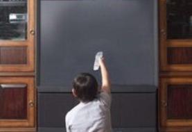 آموزش دانشآموزان در تلویزیون تا خرداد ادامه مییابد