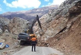 محور روستایی فینسک بر اثر ریزش کوه در تنگه کارود مسدود است