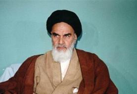 این امام سجاد است که مناجاتهایش را شما میبینید و میبینید چطور از معاصی میترسد