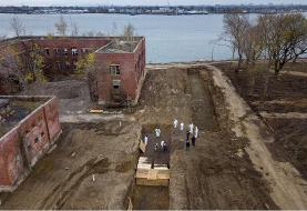 فیلم | تصاویر تکان دهنده دفن دستهجمعی جانباختگان کرونا در نیویورک