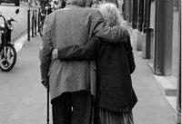 جوانان به کمک سالمندان بیایند