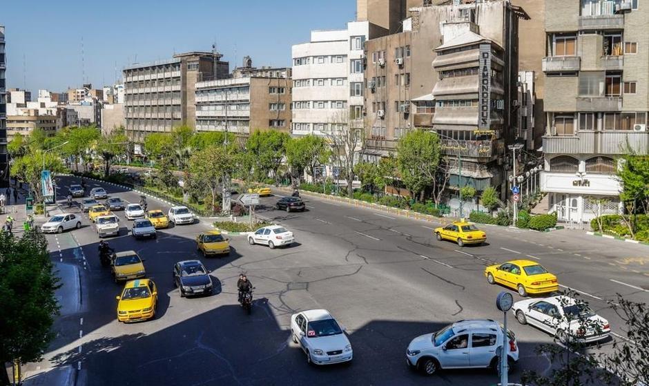 تصاویر: خیابانهای نیمه شلوغ تهران پس از تعطیلات نوروزی