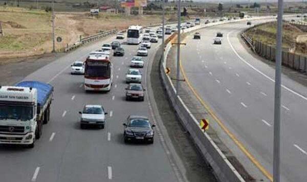 فیلم: ترافیک نیمهسنگین در جادههای قزوین و کرونا!