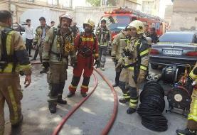 انبار بازار پارچه تهران در آتش سوخت