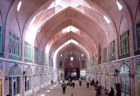 سیمکشیهای غیراصولی میدان تاریخی امام اصفهان را تهدید میکند