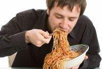 باعجله غذا خوردن باعث چه بیماری&#۸۲۰۴;هایی می&#۸۲۰۴;شود؟