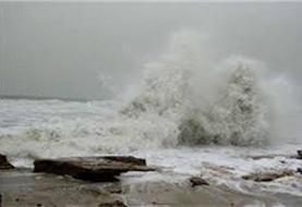 ارتفاع موج در دریای عمان به ۲.۵ متر میرسد
