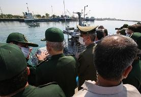 (تصاویر) الحاق شناورهای رزمی به نیروی دریایی سپاه