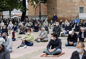 عکس روز   نخستین نماز جمعه مسلمانان ترکیه پس از ۷۴ روز