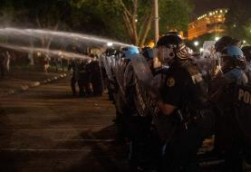 Night of rage on Pennsylvania Avenue as protesters clash with Secret Service in front of the ...