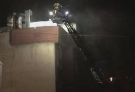 ببینید | نجات اهالی ساختمان محل انفجار در خیابان شریعتی تهران از طریق پشت بام به وسیله نردبان ...