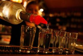 Having a few alcoholic drinks a week may be better for your brain than avoiding alcohol ...