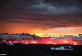 عکس روز/ جشن قهرمانی روی آب