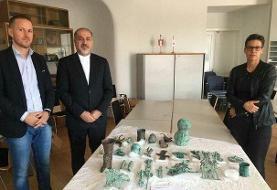 اشیای مکشوفه در اتریش به نماینده ایران تحویل داده شد