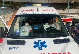 مسعود شجاعی شیشه آمبولانس را شکست/عکس