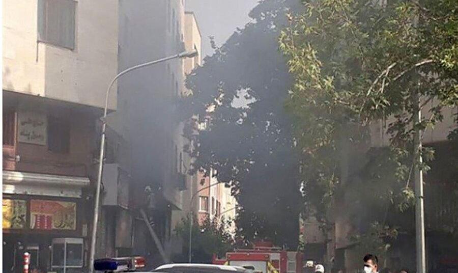 ادامه آتش سوزهای زنجیره ای یا عمدی در کشور: آتشسوزی میدان فردوسی