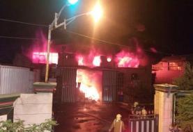 آتشسوزی گسترده در یک انبار کالا در بزرگراه فتح