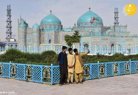 سلفی در مسجد کبود مزار شریف