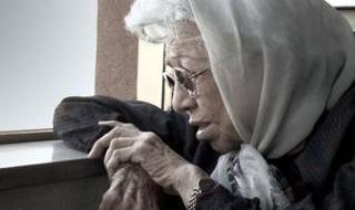 درگذشت بدرالزمان قریب بر اثر ابتلا به کرونا: زنی که زبانی را زنده کرد! تنها زن عضو پیوسته فرهنگستان زبان و ادب فارسی