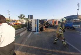 تصادف مرگبار اتوبوس و مینیبوس در اتوبان ساوه/۲۵ مصدوم و سه کشته