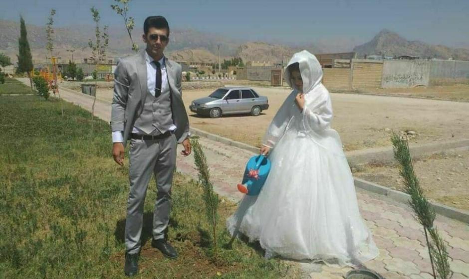عکس: این زوج خردمند خوزستانی به جای مراسم پرخرج، برای فرهنگ سازی حفاظت از محیط زیست، زندگی مشترک را با کاشت نهال آغار کردند