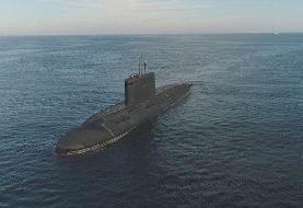 فیلم | جابهجایی زیردریایی ۲۳۰۰ تنی نیروی دریایی ارتش