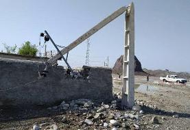 توفان برق ۱۲ روستای دلگان را قطع کرد