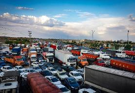 (تصاویر) گیر کردن خودروها در سیل جاده مشهد- تهران
