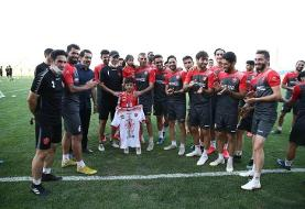 (عکس) مدال بیرانوند به فرزندش رسید
