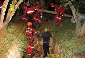 چهار فرد گرفتار در گودالی در گیلانغرب، فوت کردند