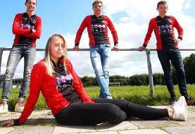 برای اولین بار؛ باز شدن پای یک زن به فوتبال مردان/عکس