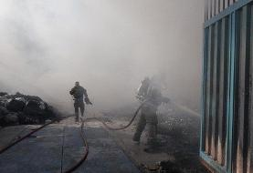 ادامه آتش سوزهای زنجیره ای یا عمدی در کشور: آتش سوزی انبار ضایعات پلاستیک جاده ورامین