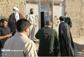حضور نماینده ولی فقیه در خوزستان در خانه کودک غرق شده در فاضلاب
