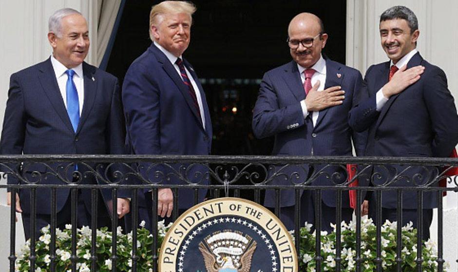 ترامپ اتحاد اسراییل با امارات و بحرین علیه  ایران را در کاخ سفید جشن گرفت