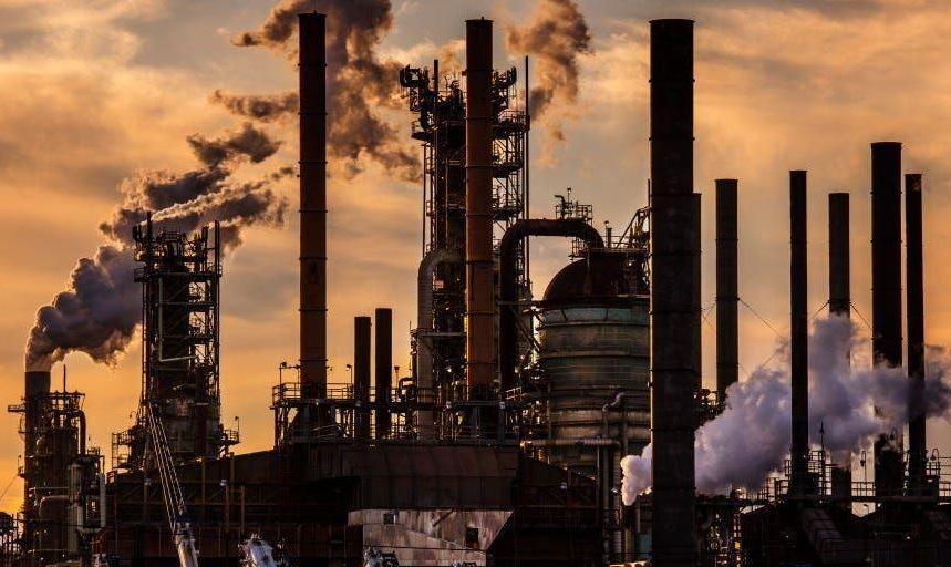 آژانس بینالمللی انرژی: تقاضای جهانی نفت و  قیمت کاهش مییابد