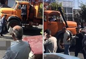 تصادف کامیون با چند خودرو در گیلاوند/ خسارت مالی به ۵ خودرو