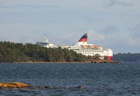 Finnish cruise ship evacuated after running aground in Baltic sea