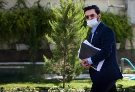 تکذیب دوباره آذری جهرمی: رئیسجمهور برای توزیع سیمکارت رایگان دانشآموزی دستوری نداده است