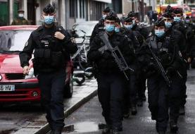 دولت فرانسه حمله با ساطور در پاریس را 'تروریستی' خواند